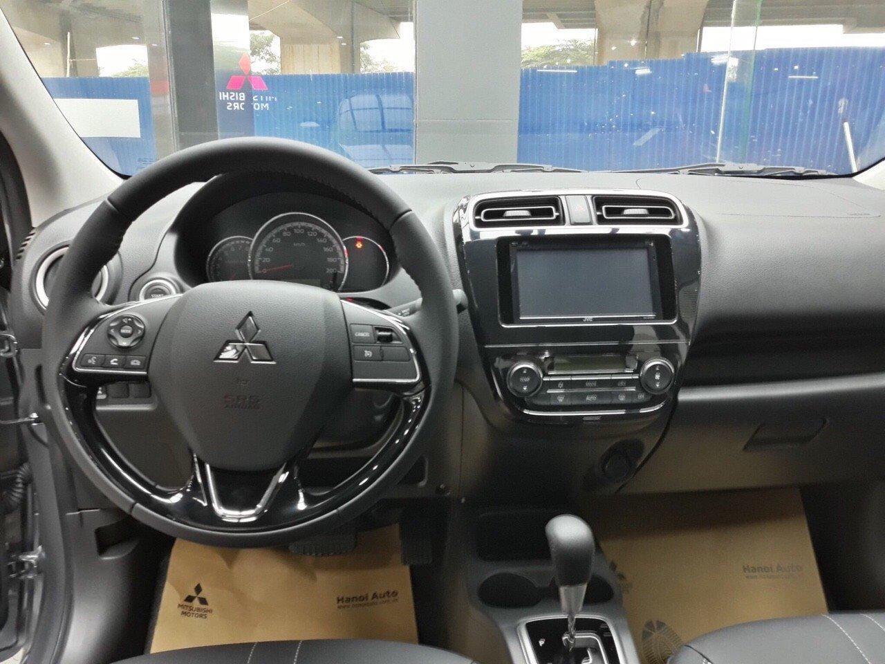 mua-xe-attrage-2020-tra-gop